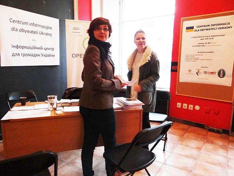 In der Warschauer Straße Nowy Swiat wurde ein Informationscentrum für ukrainische Bürger eingerichtet.Foto: Kumpf