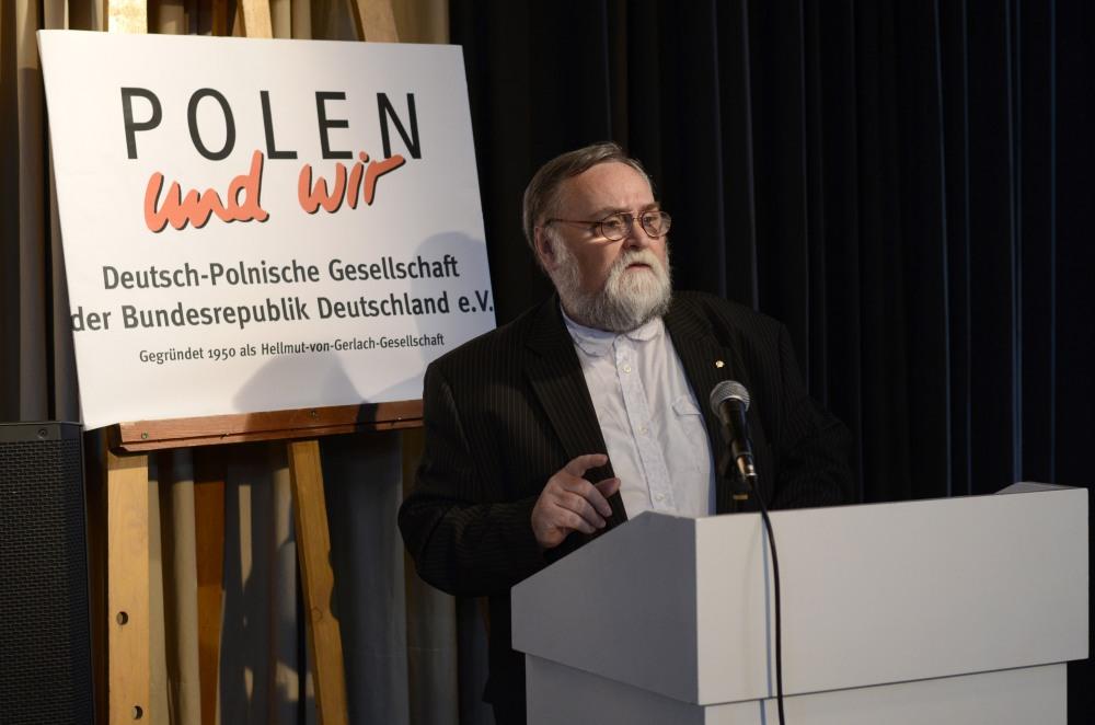 """Karl Forster, Chefredakteur der Zeitschrift """"POLEN und wir""""  moderierte die Jubiläumsveranstaltung."""