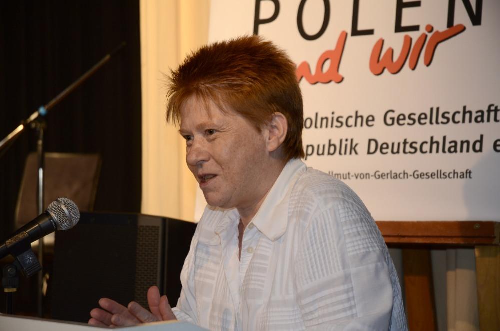 Petra Pau, Bundestagsvizepräsidentin, bei ihrer Grußansprache.