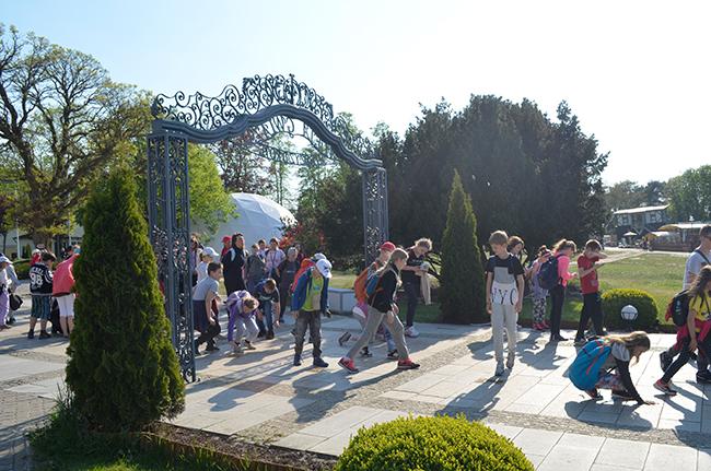 """Der """"Walk of Fame"""" wird rege besucht, auch von polnischen Schülergruppen."""